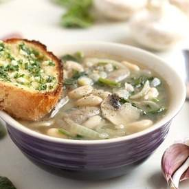 Mushroom and white bean soup