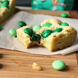 Mint M&M Sugar Cookie Bars