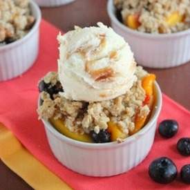Healthy Peach and Bluberry Crumble