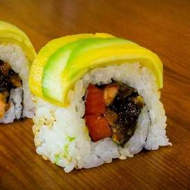 Mango avocado sushi roll recipe