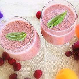 Cherry Apricot Red Grapes Smoothie