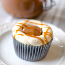 Caramelized White Chocolate Cupcakes