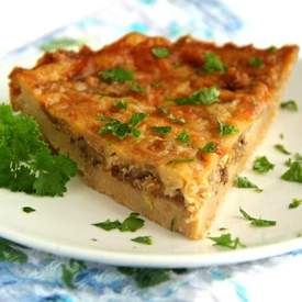Savory Cheddar and Onion Cracker Pie