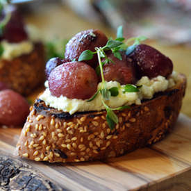 Roasted Grapes Ricotta Crostini