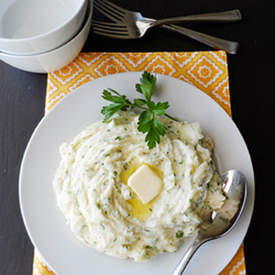 Creamy Mashed Potatoes with Parsley