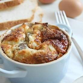 Savoury bread puddings
